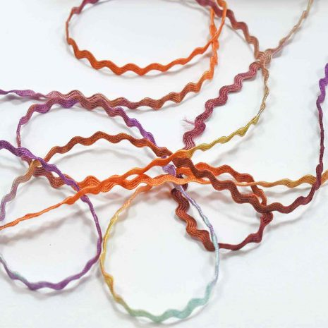 multicolored-rayon-ric-rac-colour-complements