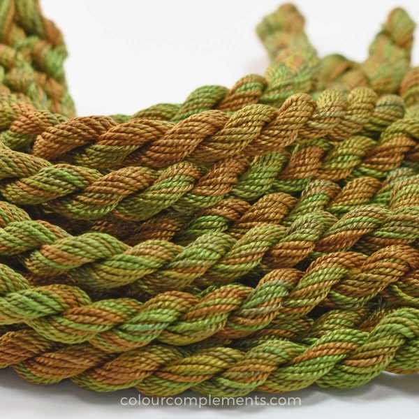 green-brown-silk-perle-colour-complements