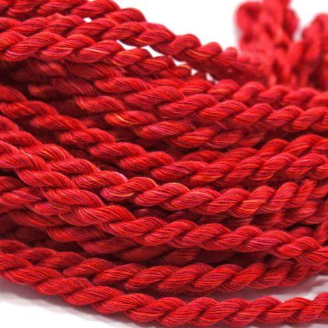 red-cotton-floche-colour-complements
