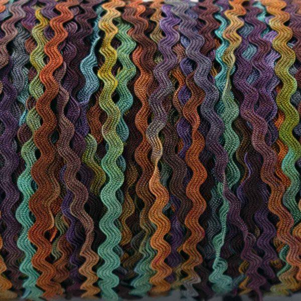 multi-coloured-ric-rac-colour-complements