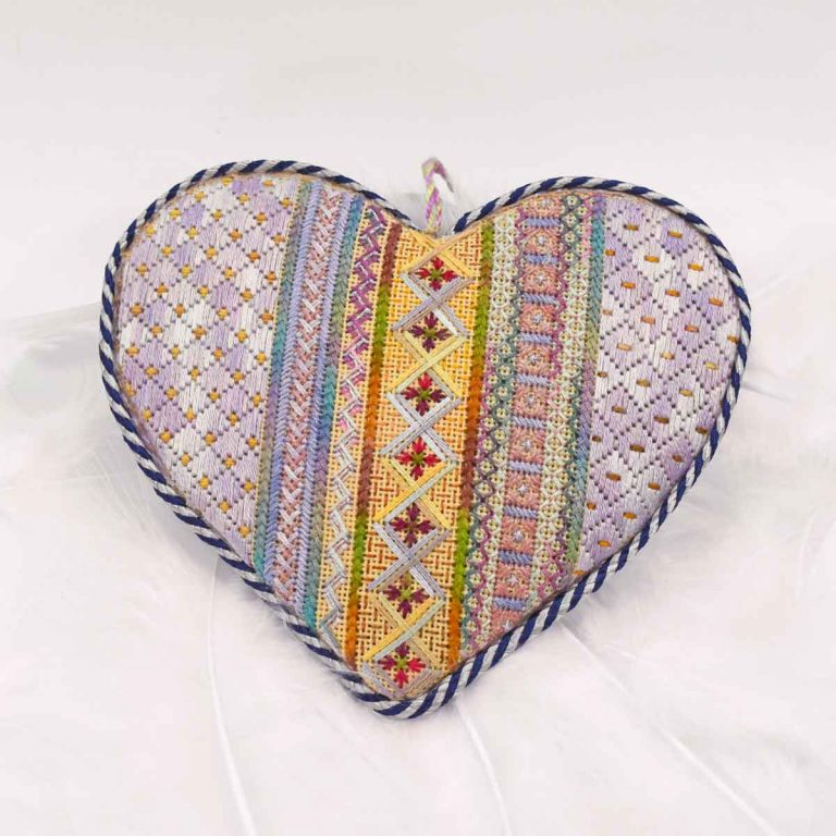 Needlepoint Now Heart