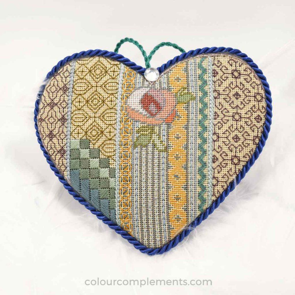 blackwork-heart-colour-complements