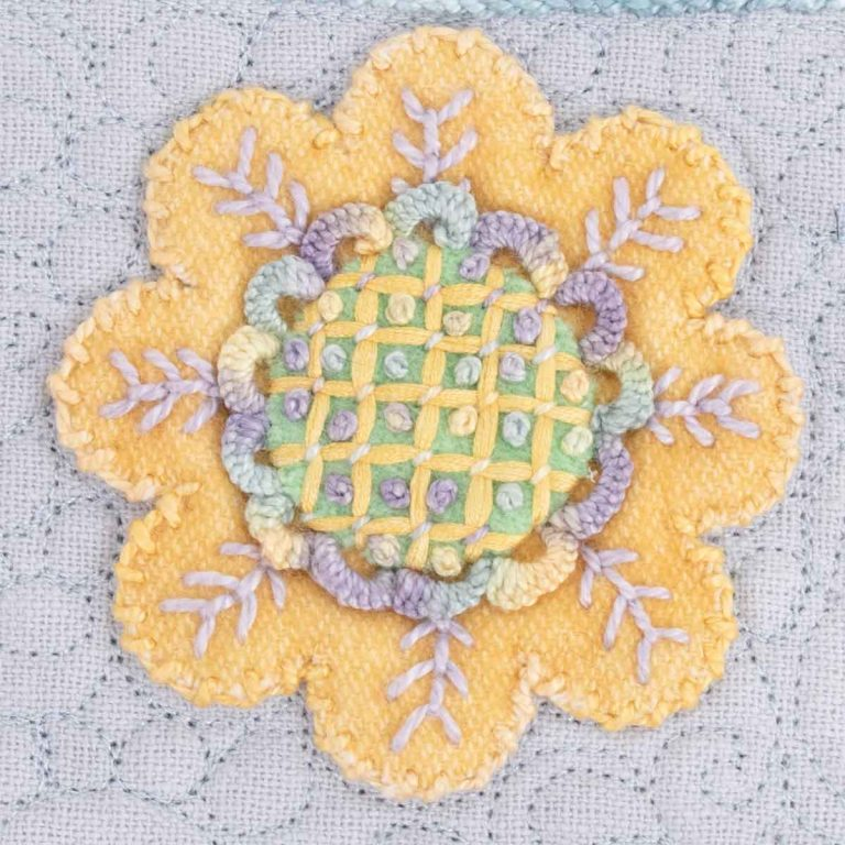 Spring Flower Applique: Circle Design #3